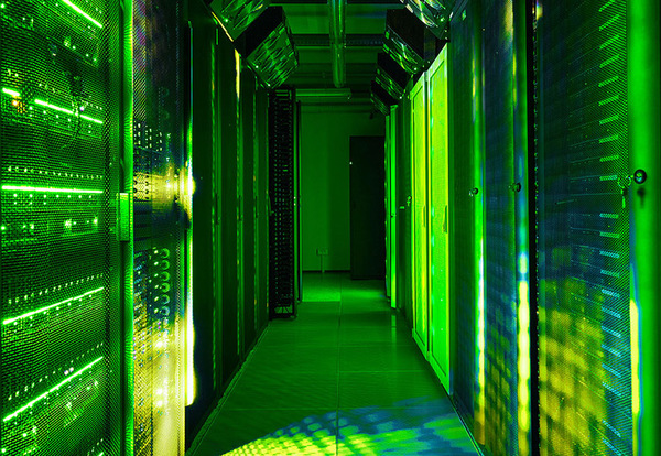 77_green_data_center.jpg